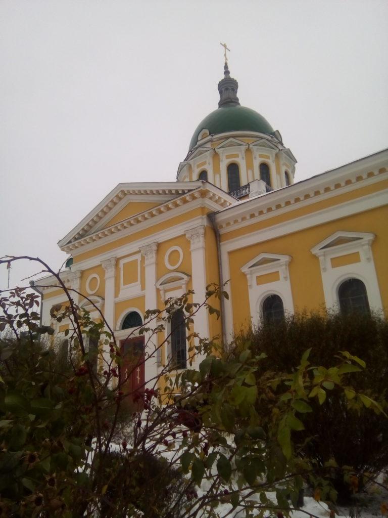 Храм внутри стен кремля!