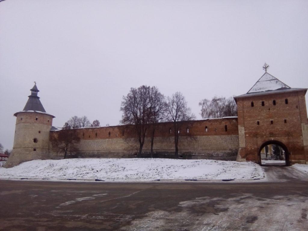 Стены кремля!