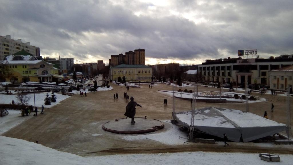 Сама главная площадь, вид с земляных валов бывшего Дмитровского кремля (крепости).